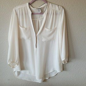 3/$15 H&M 2 Pocket 3/4 Sleeve Blouse